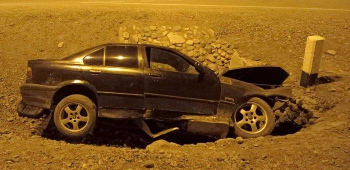 Нетрезвый водитель ночью на BMW устроил аварию на Чуйском тракте