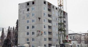 Строительство жилого дома по переулку Театральному близится к завершению
