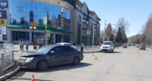 Возле ТЦ «Панорама» столкнулись автомобили