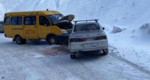 Автобус с детьми попал в ДТП возле Красных ворот