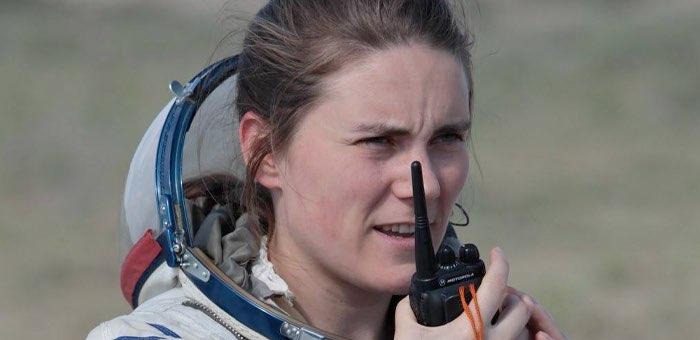 Космонавт Анна Кикина провела телемост с молодежным активом республики