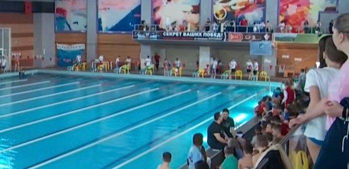 Команда пловцов из Республики Алтай завоевала 20 медалей на соревнованиях в Бийске