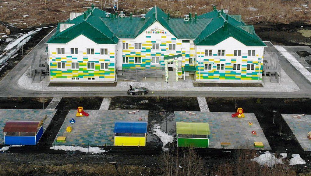 «Хочется больше таких объектов». Жители Маймы радуются открытию нового детского сада