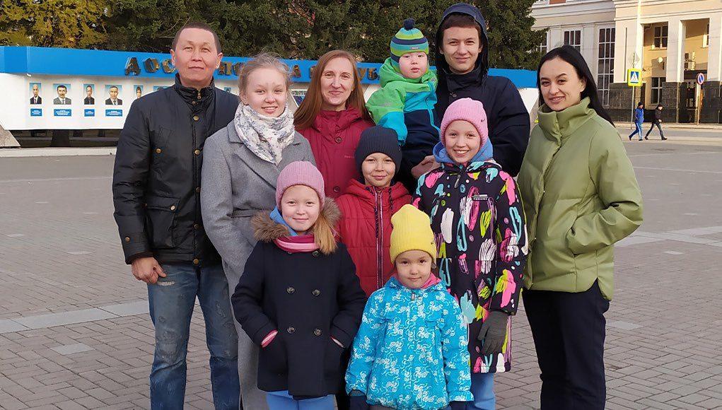 Президент наградил семью Боргояковых орденом «Родительская слава»