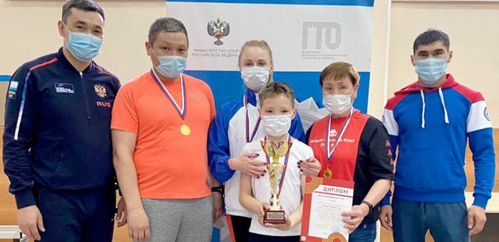Семья Кичинековых стала победителем фестиваля ГТО среди семейных команд Республики Алтай