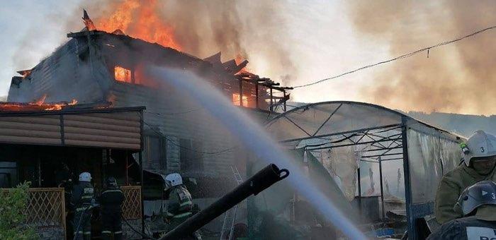 Пожар по переулку Медицинскому произошел в Горно-Алтайске