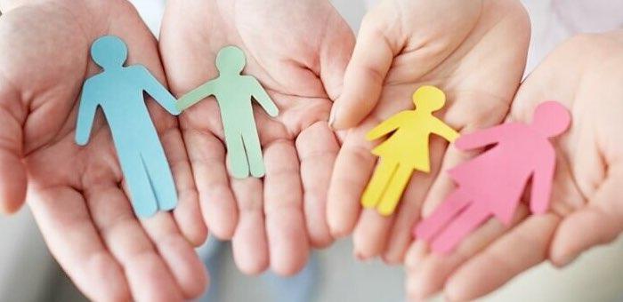 16 человек прошли обучение в школе приемных родителей