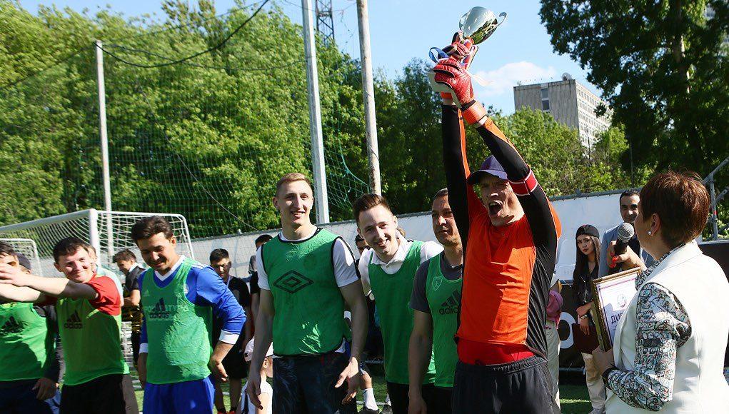 «Старая гвардия» победила в турнире по мини-футболу