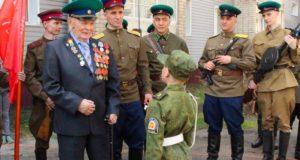 Персональный парад для ветерана прошел в Горно-Алтайске
