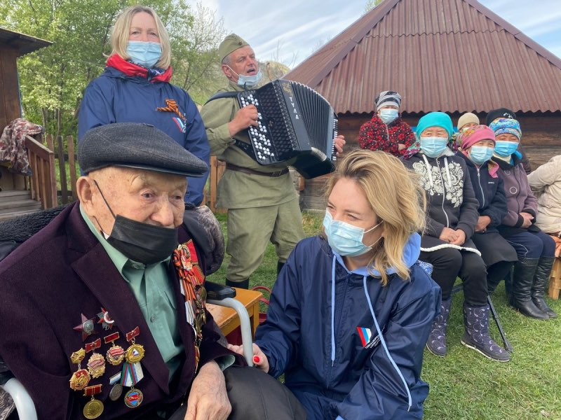 В Усть-Канском районе для фронтовиков устроили праздничные концерты
