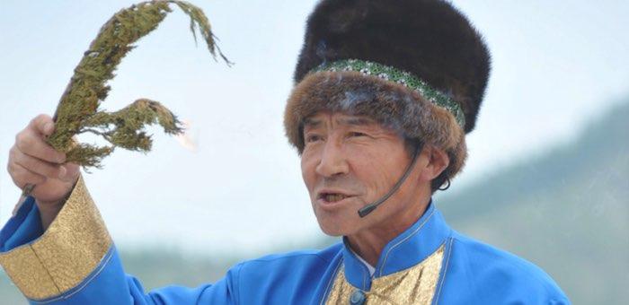 Онлайн-выставку подготовила Национальная библиотека к 70-летию Таукена Яйтынова