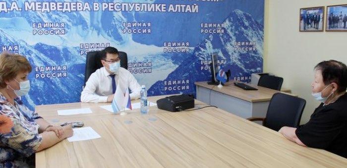 Артур Кохоев провел прием граждан
