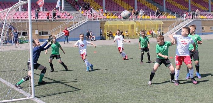 Две футбольные команды из Горно-Алтайска вышли в финал фестиваля «Загрузи себя футболом!»