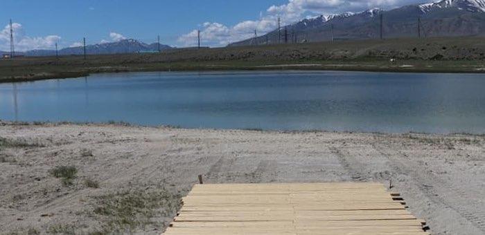На Каменистом озере благоустраивают пляж