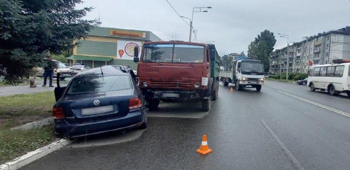 КАМАЗ и Volkswagen Polo столкнулись в Горно-Алтайске