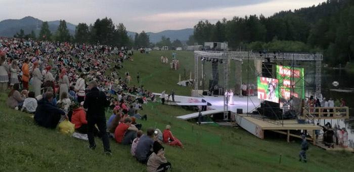 В Турочакском районе провели не согласованный Роспотребнадзором фестиваль