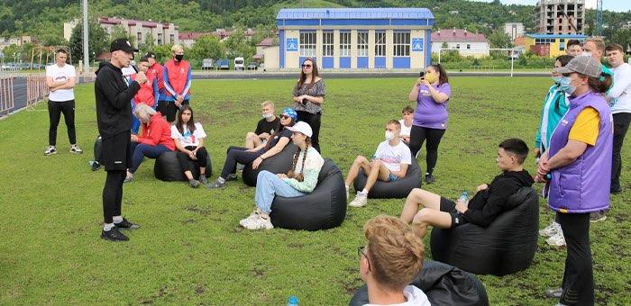 Олег Хорохордин встретился с активистами молодежных объединений