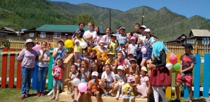 В Бичикту-Бооме и Шашикмане появились новые детские площадки