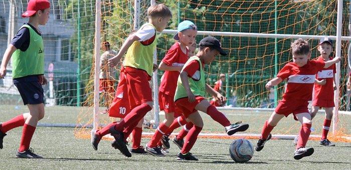 Турнир по футболу среди детских команд прошел в Горно-Алтайске