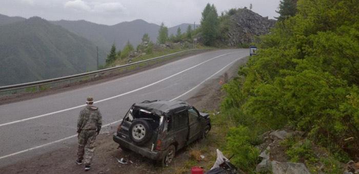 ДТП на Чике-Тамане: машина врезалась в скалу