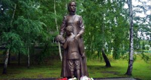 В Майме открыли памятник труженикам тыла и детям войны