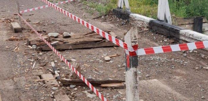 Грузовым автомобилям запрещен проезд по мосту через реку Чепша