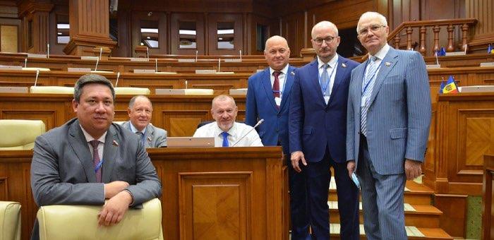 Владимир Полетаев посетил Молдавию для наблюдения за парламентскими выборами