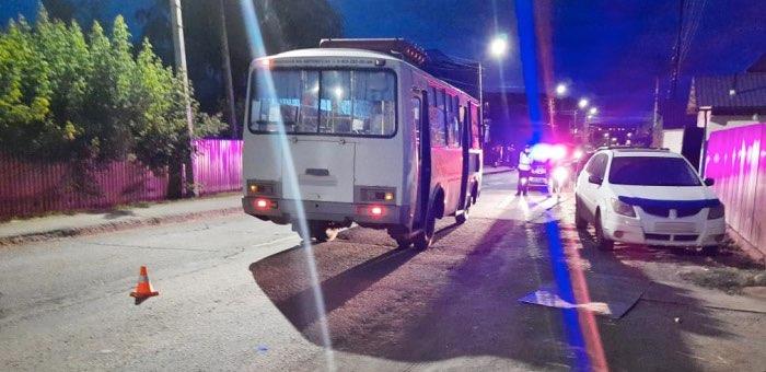 Полуторагодовалый ребенок попал под автобус в Горно-Алтайске