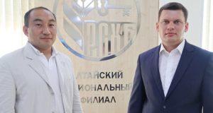 Руководитель Алтайского филиала РСХБ обсудил перспективы расширения банковских услуг с главой Усть-Канского района