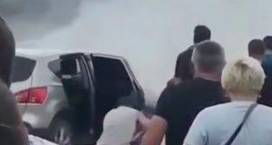 При подъеме на Семинский перевал загорелась машина