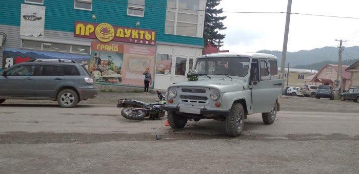 75-летний водитель УАЗа не уступил дорогу мотоциклисту в Онгудае