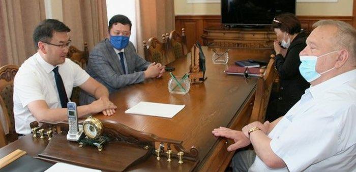 Артур Кохоев провел рабочую встречу с Владимиром Шамановым