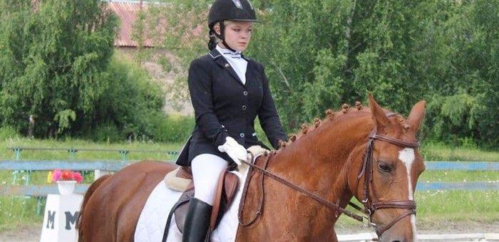 В республике прошел чемпионат по конному троеборью