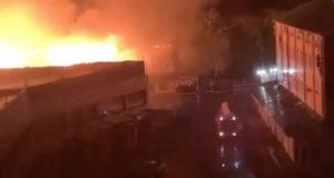 Крупный пожар случился в Горно-Алтайске