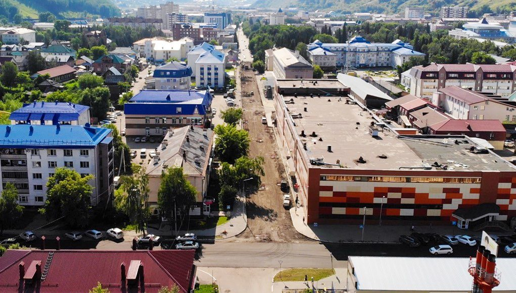 В Горно-Алтайске продолжается ремонт улиц Чорос-Гуркина, Ленина и Барнаульской