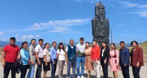 «Хранители»: в Усть-Канском районе установили новый арт-объект