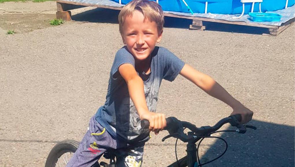 Подарок юному дзюдоисту. Предприниматели из Горно-Алтайска подарили велосипед восьмилетнему мальчугану