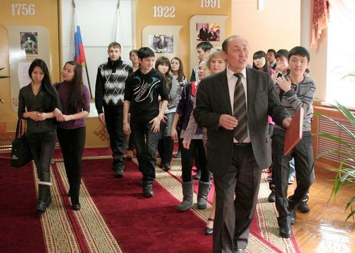 И.М. Унуков и студенты