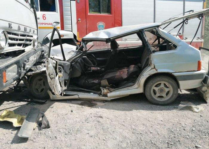 Турист из Ярославля попал под КАМАЗ на дороге Тулой – Бийка