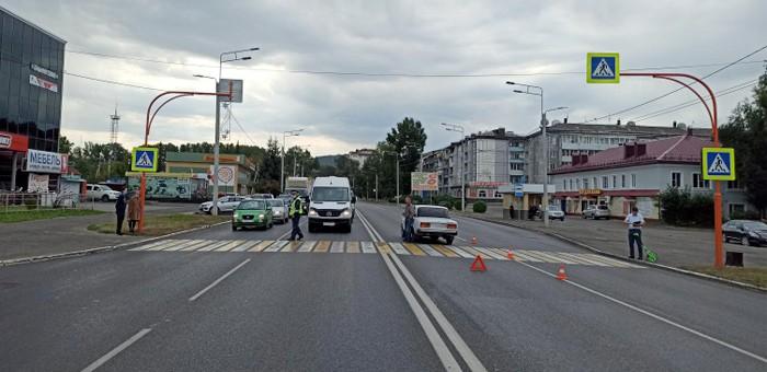 На пешеходном переходе возле «Магнита» сбили 23-летнюю горожанку