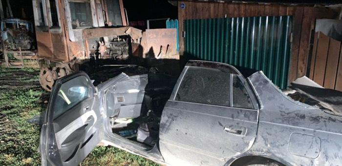 Подростки на иномарке, убегая от ГИБДД, врезались в трактор и попали в больницу