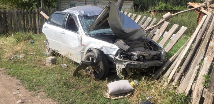 18-летний улаганец неудачно покатал девушек на автомобиле: обе в больнице