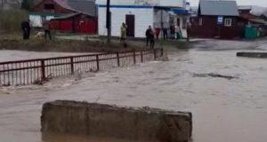 В Горно-Алтайске начались выплаты пострадавшим от паводка