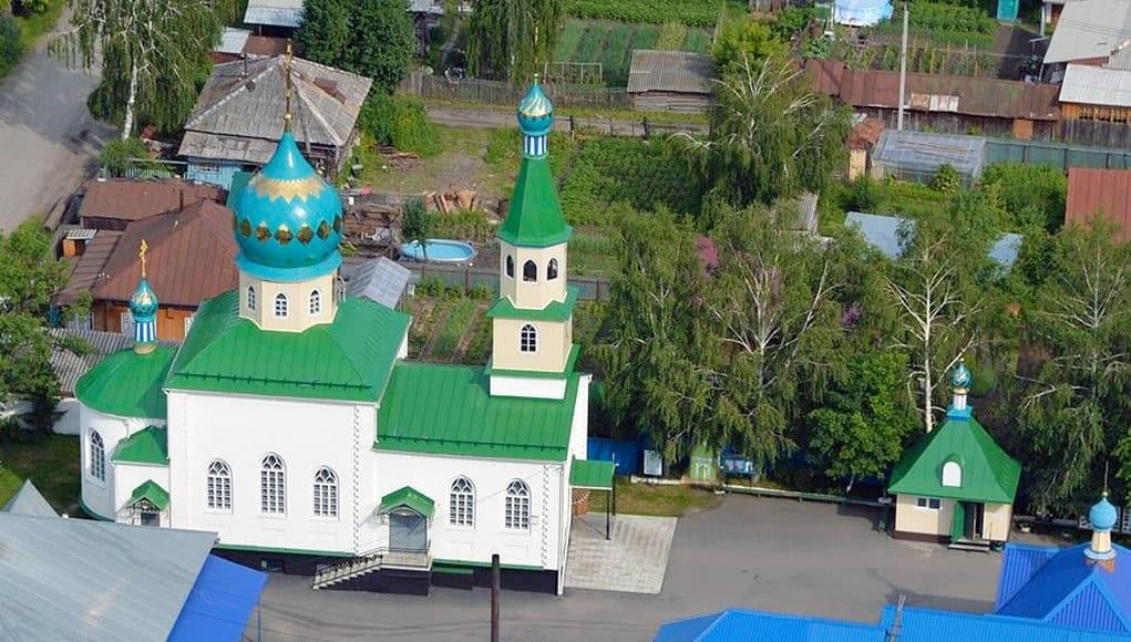 В Горно-Алтайске отметили 30-летие Преображенского храма