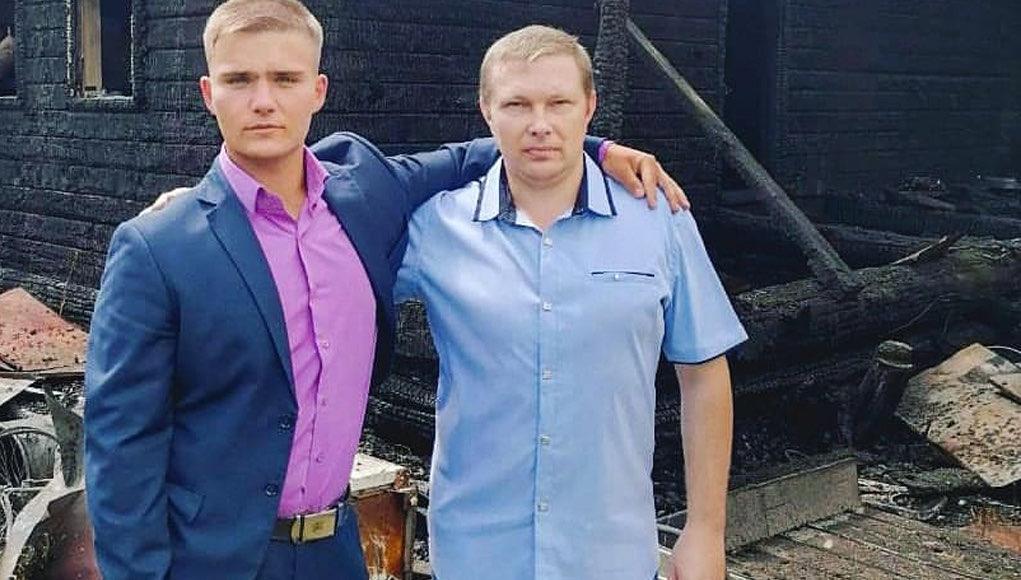 Студент и пчеловод спасли двух человек на пожаре в селе Каракокша