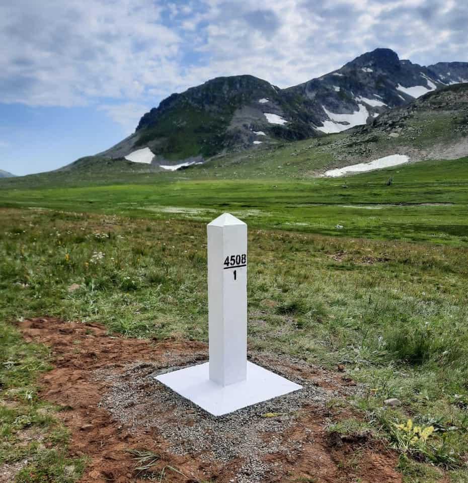 На российско-казахстанской границе установлены пограничные знаки