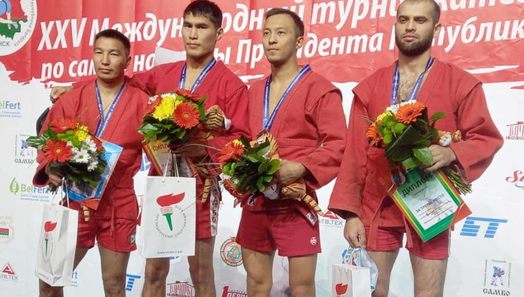 Спортсмены с Алтая стали победителями турнира по самбо в Минске