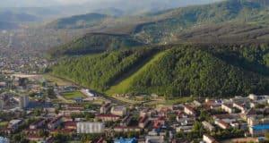 В Горно-Алтайске обсуждают проект благоустройства тропы здоровья на Комсомолке