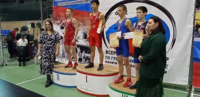 Борцы из Горно-Алтайска стали призерами соревнований в Омске и Томске