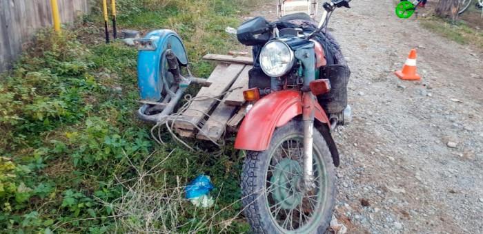 Нетрезвый житель Манжерока врезался на мотоцикле в дерево